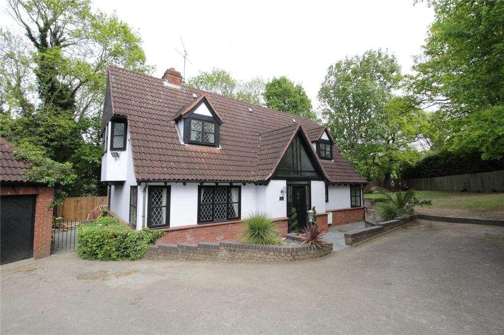4 Bedrooms Detached House for sale in High Oaks, Langdon Hills, Essex, SS16