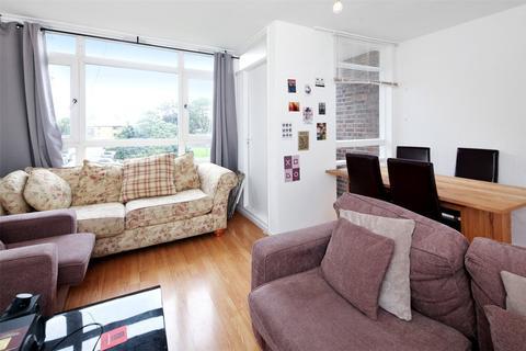 3 bedroom maisonette to rent - Boyton Close, London, E1