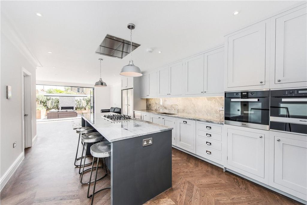 6 Bedrooms Semi Detached House for sale in Queensmill Road, Fulham, London, SW6