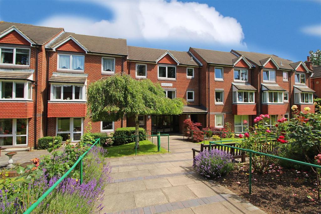 1 Bedroom Retirement Property for sale in Heath Court, Heath Road, Haywards Heath