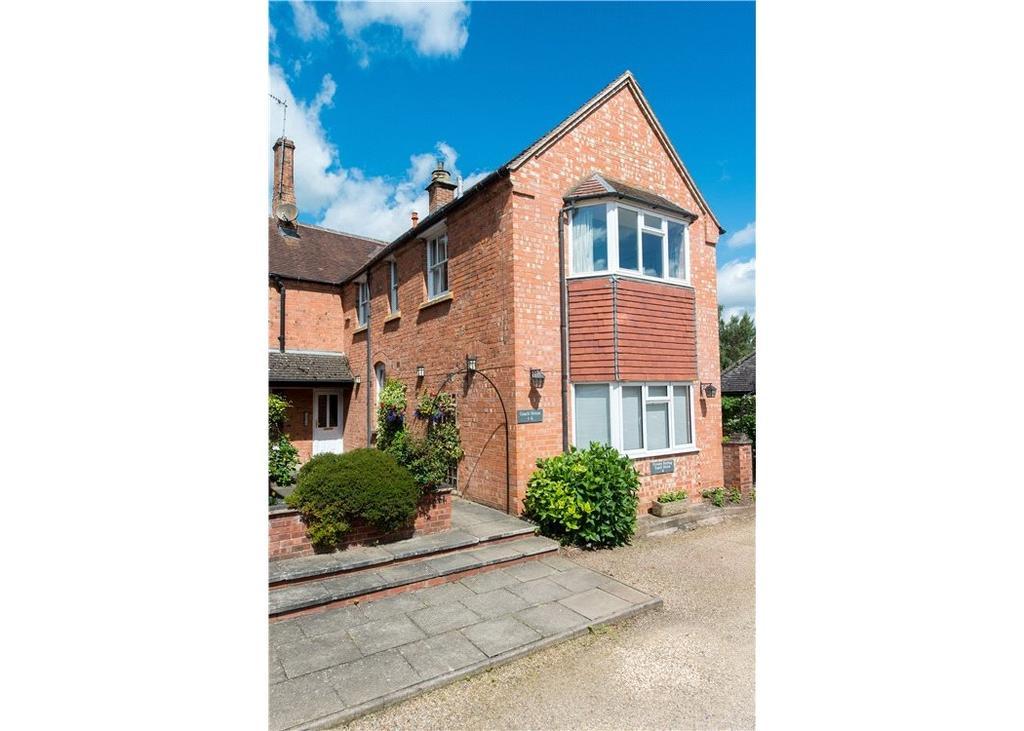 1 Bedroom Flat for sale in Coach House, Avonside, Mill Lane, Stratford-Upon-Avon, CV37