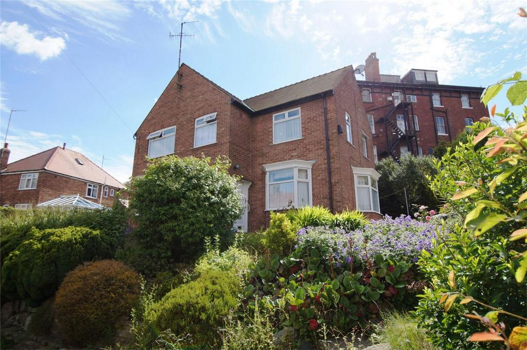 3 Bedrooms Detached House for sale in Grosvenor Road, Scarborough
