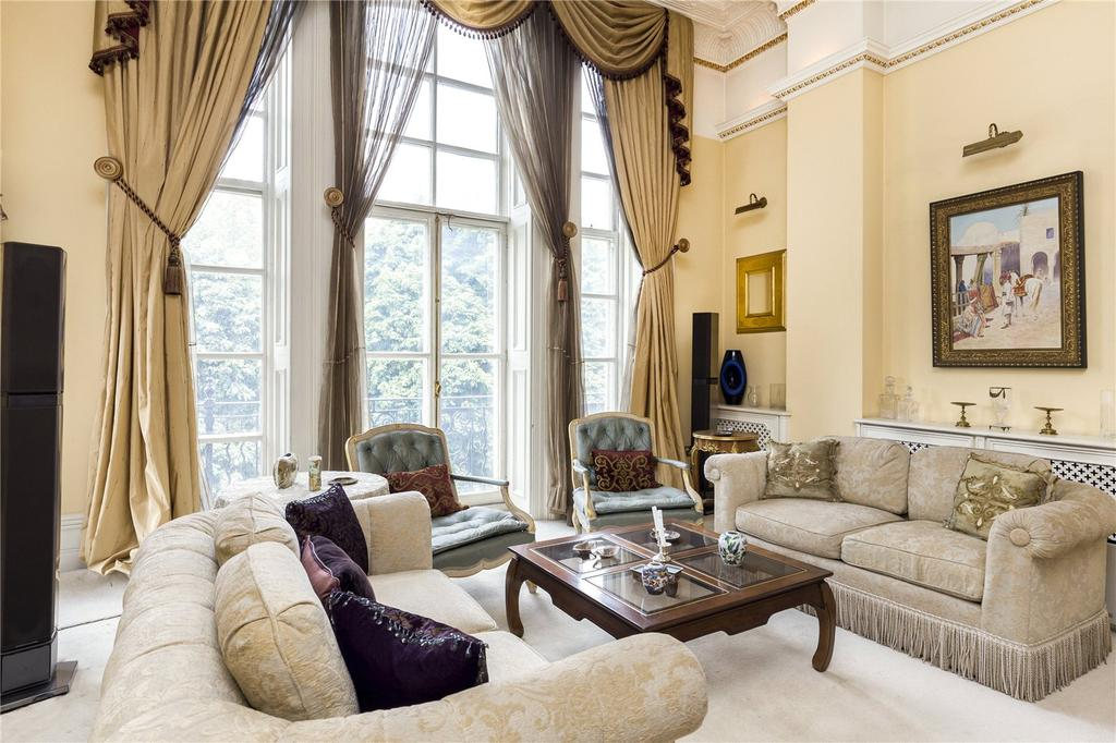 4 Bedrooms Apartment Flat for sale in Albert Hall Mansions, Kensington Gore, London, SW7