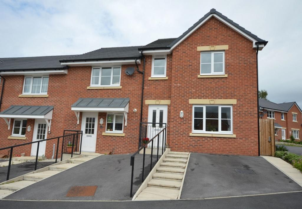3 Bedrooms Mews House for sale in Rose Way, Sandbach