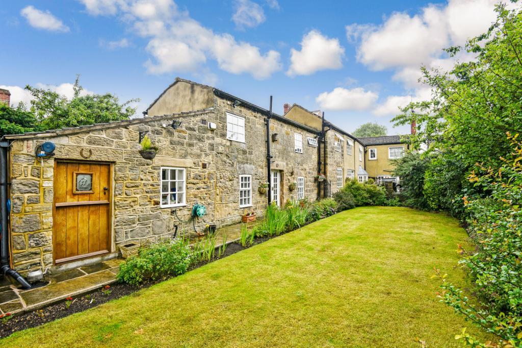 5 Bedrooms Semi Detached House for sale in Main Street, Thorner, Leeds