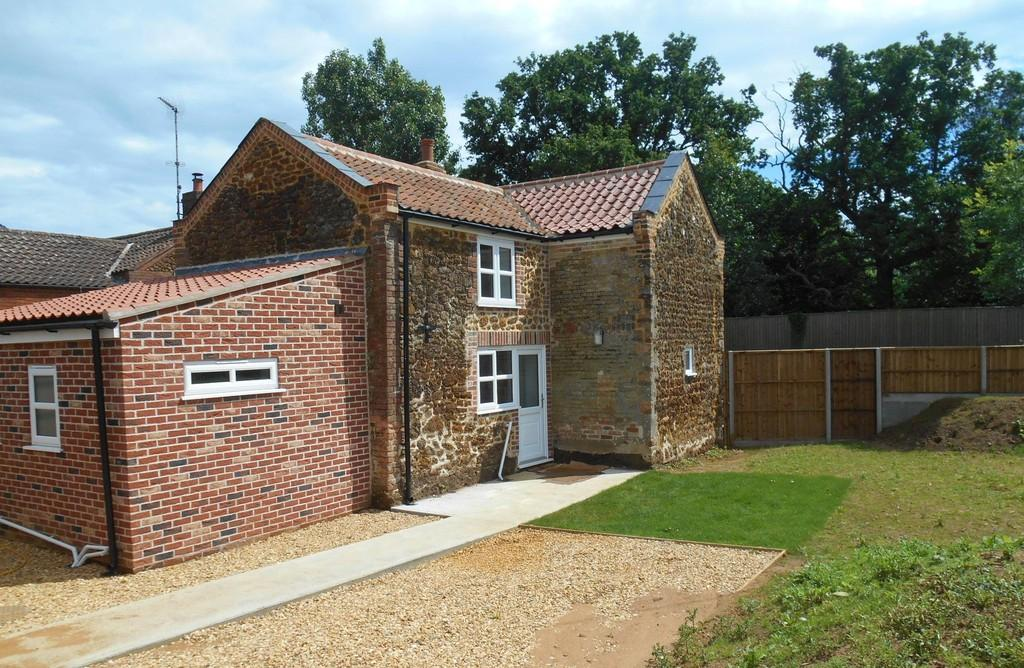 2 Bedrooms Cottage House for rent in East Winch, Kings Lynn, Norfolk