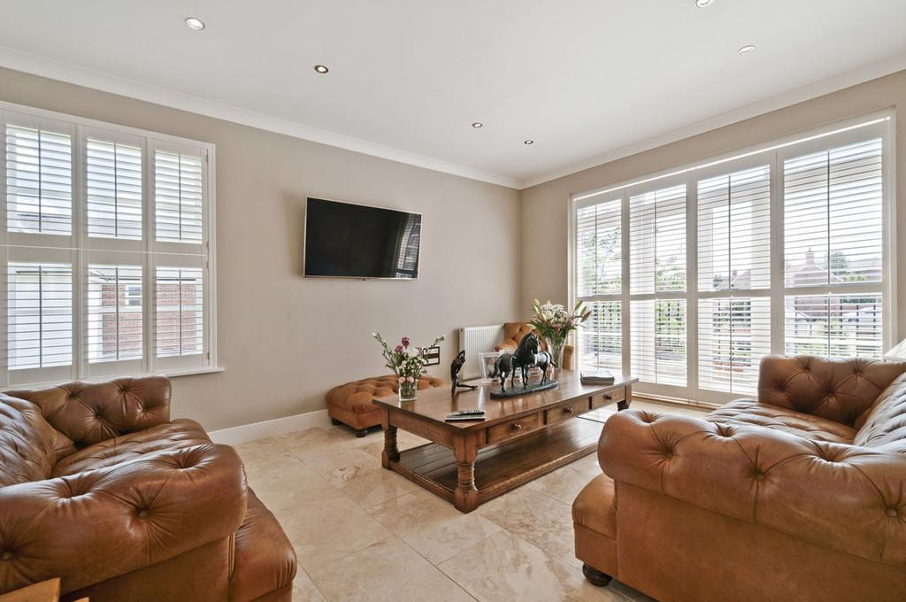 2 Bedrooms Apartment Flat for sale in Beacon Avenue, West Malling