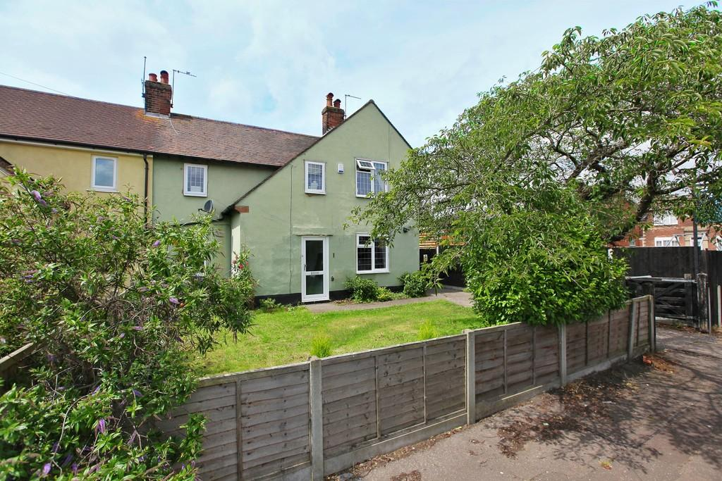 3 Bedrooms Semi Detached House for sale in Trafalgar Road, Lexden, West Colchester