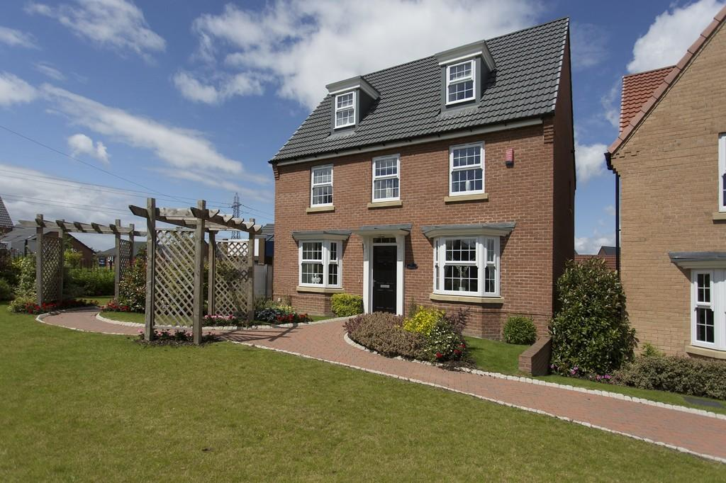 5 Bedrooms Detached House for sale in Frazier Avenue, Wakefield