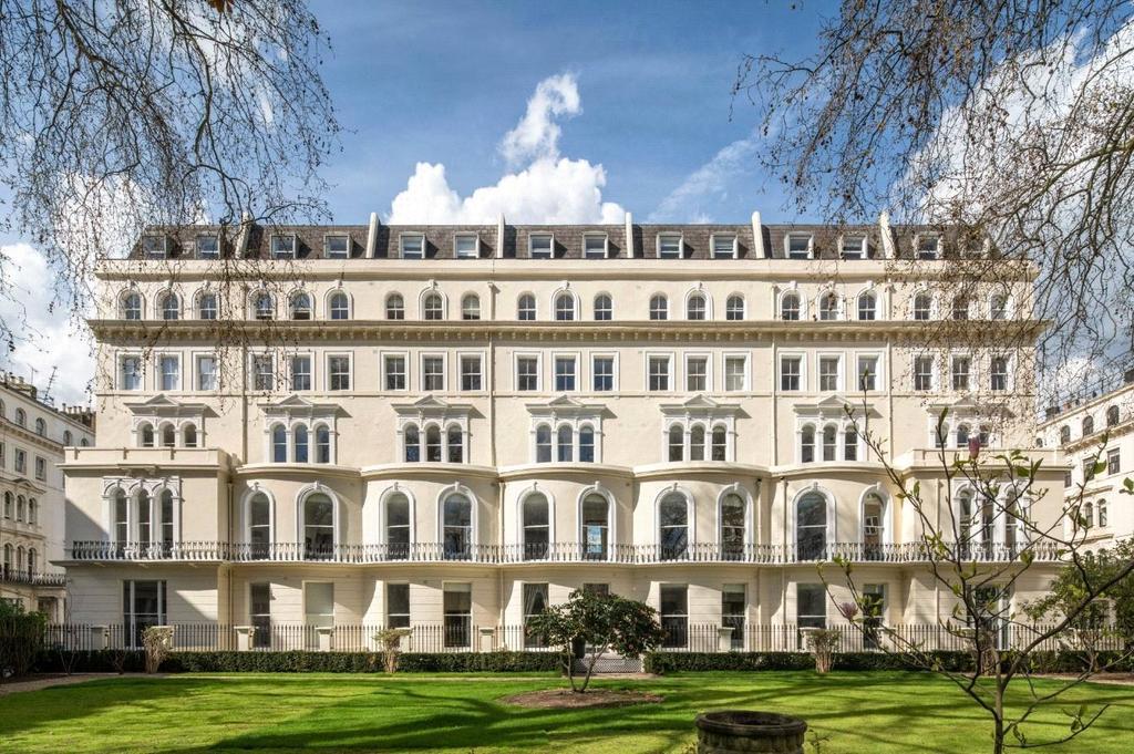 2 Bedrooms Flat for sale in Garden House, 86-92 Kensington Garden Square, London