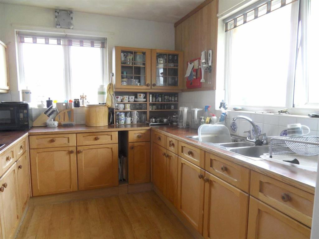 4 Bedrooms House for sale in Moortown Lane, Brighstone