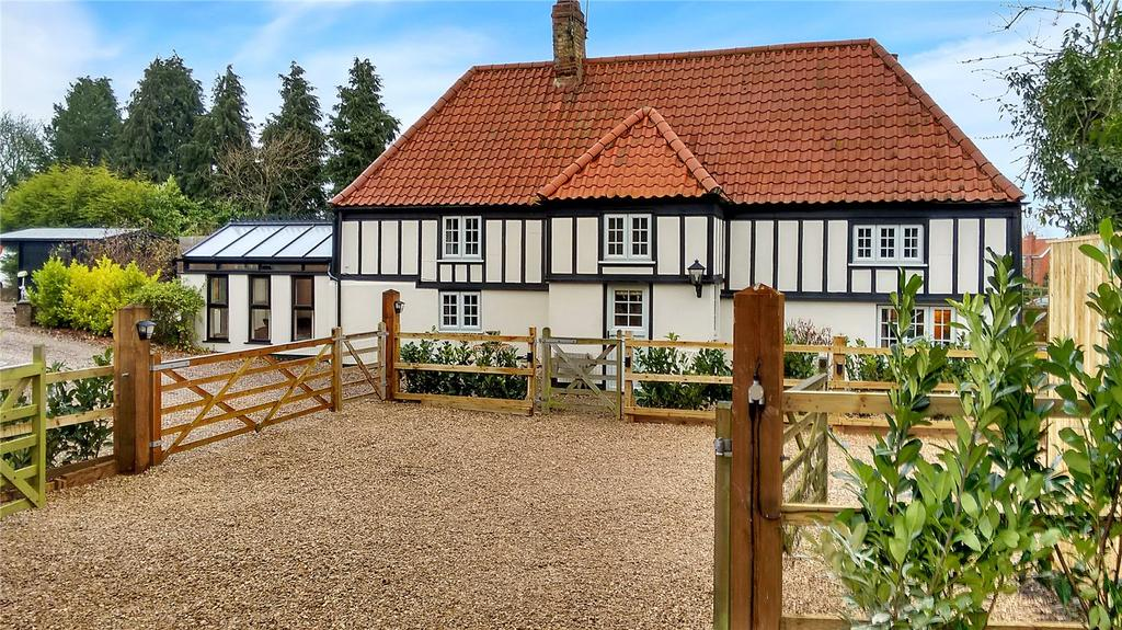 4 Bedrooms Detached House for sale in High Street, Sturton by Stow, Lincoln