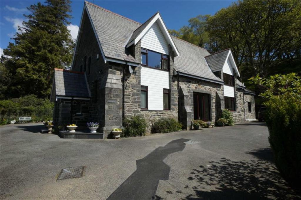 3 Bedrooms Detached House for sale in Capel Curig, Betws Y Coed