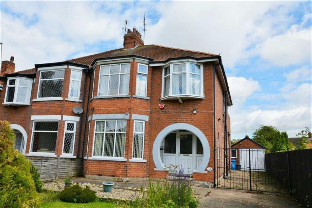 3 Bedrooms Semi Detached House for sale in Saltshouse Road, Hull, Hull, HU8