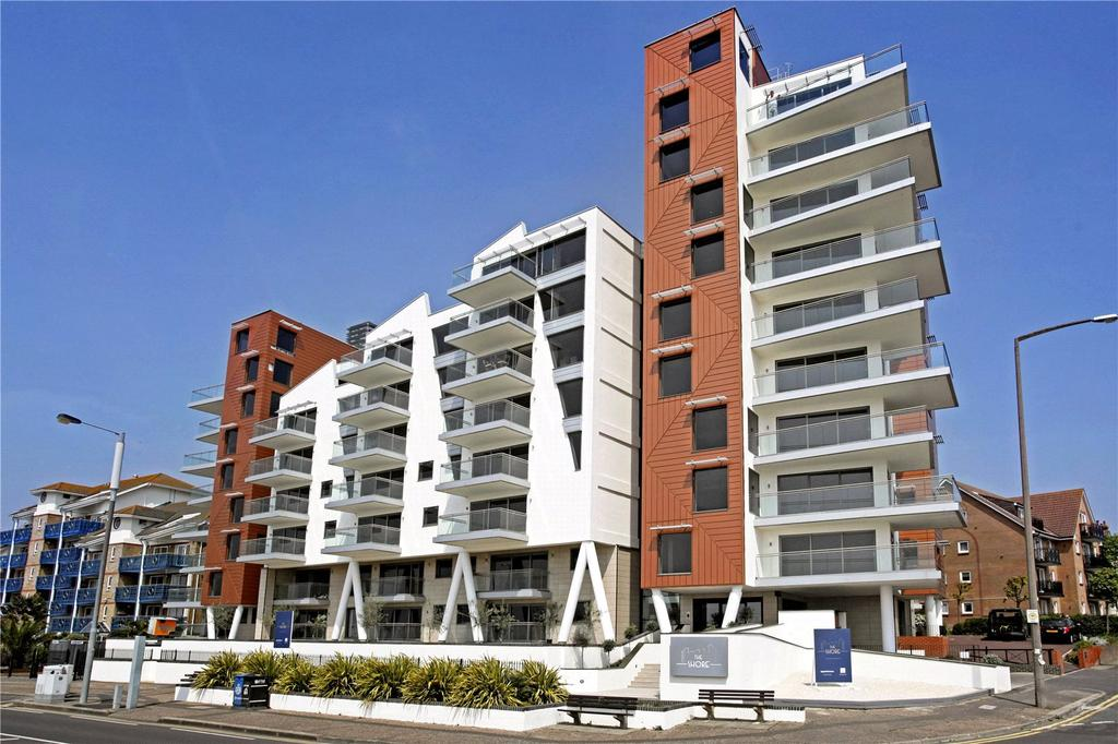 2 Bedrooms Flat for sale in S4 The Shore, 22-23 The Leas, Westcliff-on-Sea, Essex, SS0