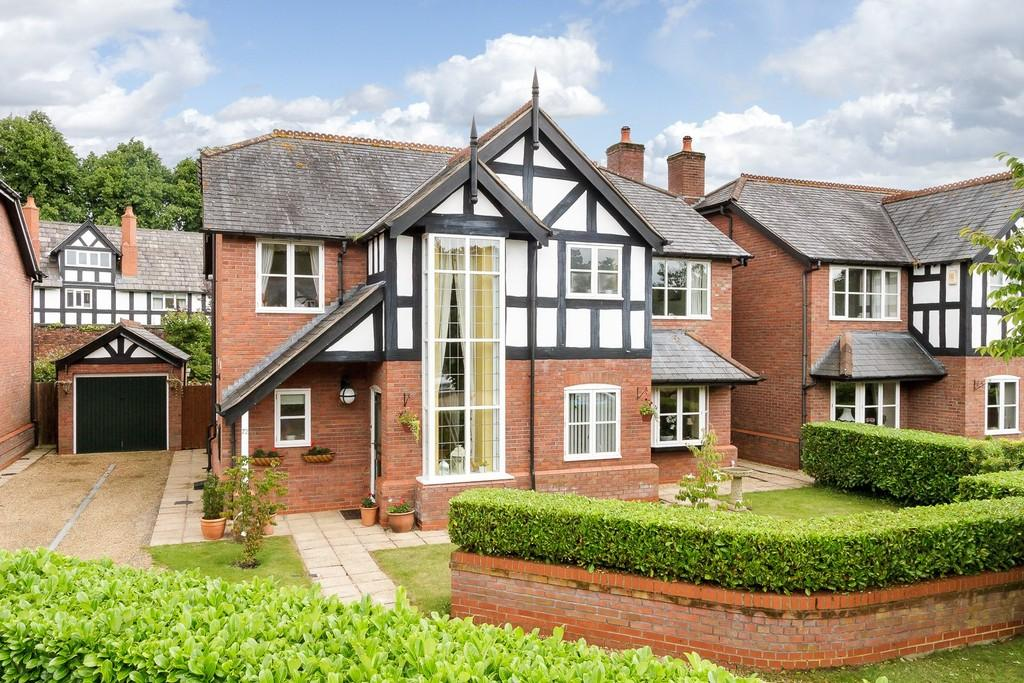 4 Bedrooms Detached House for sale in 72, The Walled Garden