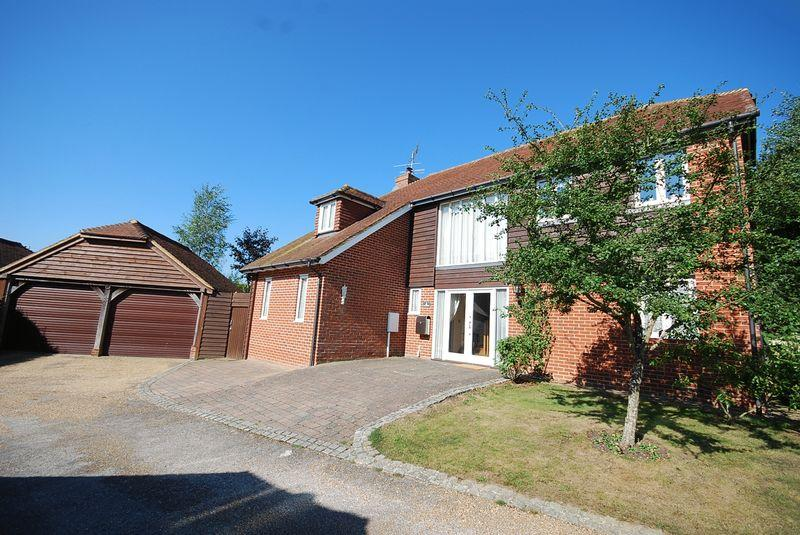 4 Bedrooms Detached House for sale in Sellindge Ashford