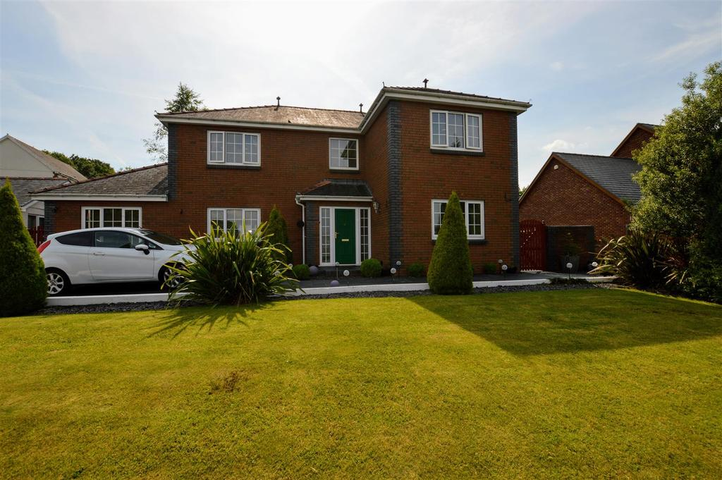 4 Bedrooms Detached House for sale in Hafod Road, Tycroes, Ammanford