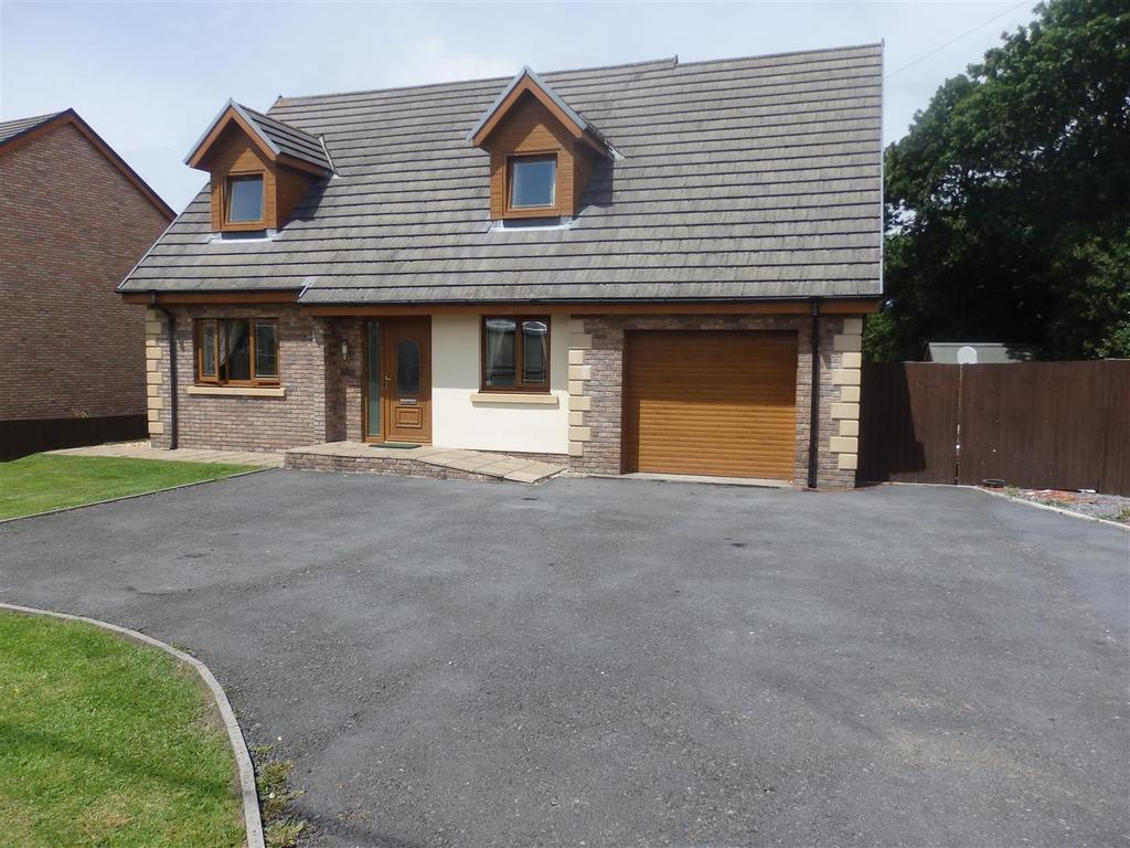 3 Bedrooms Detached House for sale in Carway, Kidwelly