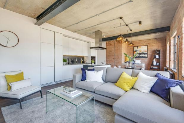 2 Bedrooms Flat for sale in Jeffreys Place, Camden, London, NW1