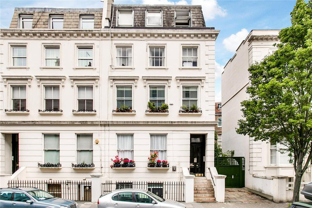 Studio Flat for sale in Westbourne Gardens, Bayswater, London