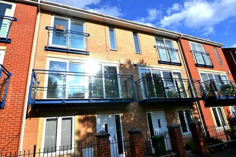 3 bedroom townhouse to rent - The Sanctuary Hulme,  Manchester. M15 5TR.