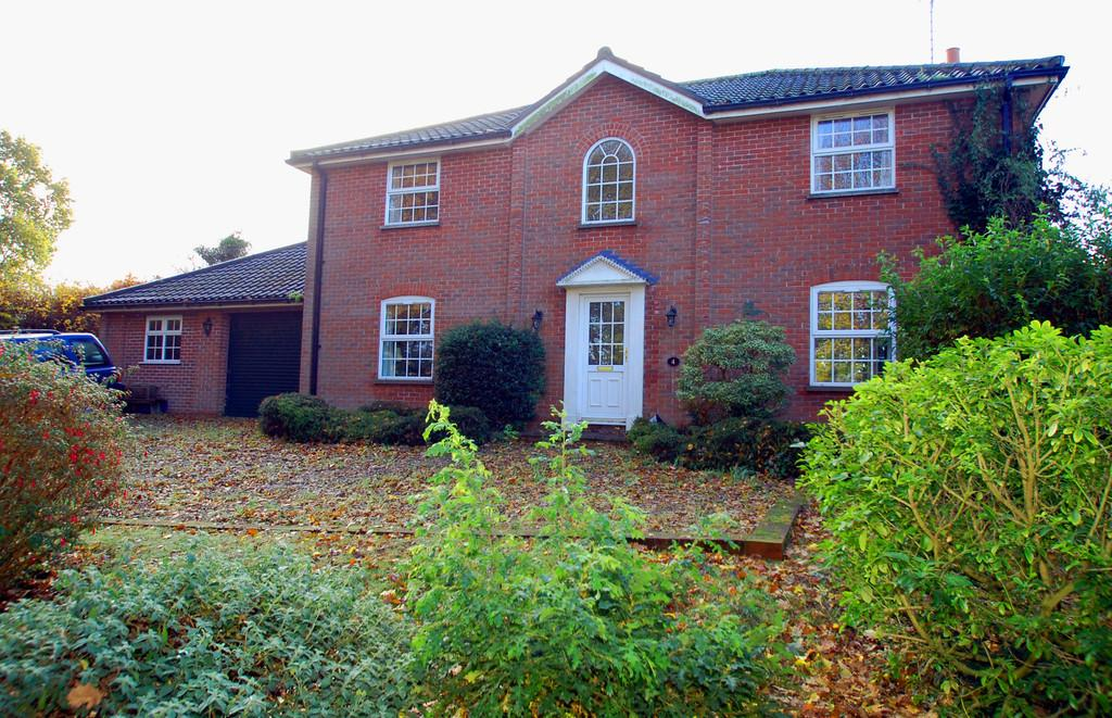 4 Bedrooms Detached House for sale in Beechwood Close, North Walsham