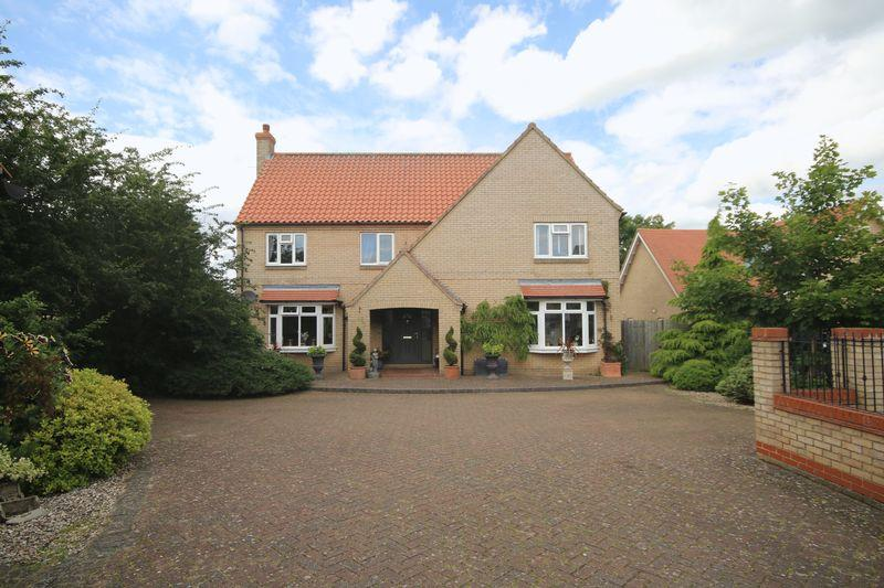 4 Bedrooms Detached House for sale in Crown Gardens, Little Downham
