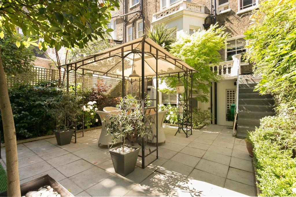 2 Bedrooms Maisonette Flat for sale in Coleherne Road, London, SW10
