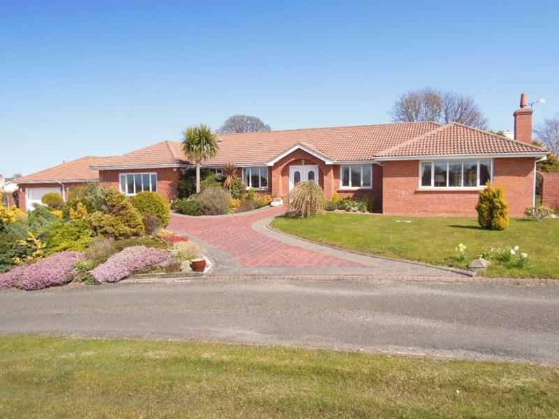 5 Bedrooms Detached Bungalow for sale in Westhill Village, Ramsey, IM8 3TD