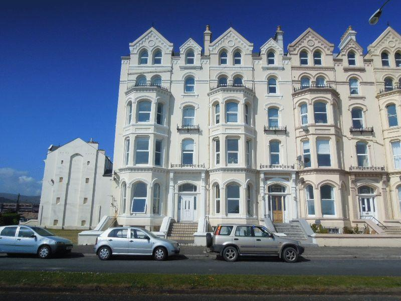 3 Bedrooms Apartment Flat for sale in Mooragh Promenade, Ramsey, IM8 3BA