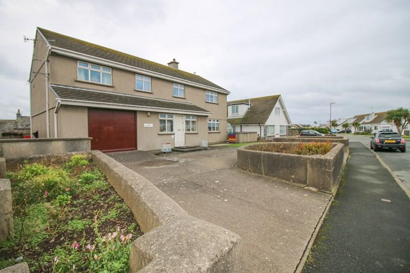 4 Bedrooms Detached House for sale in Scarlett Road, Castletown, IM9 1NX