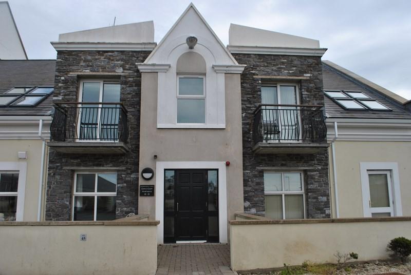 2 Bedrooms Apartment Flat for sale in Castle Court, Castletown, IM9 1PE