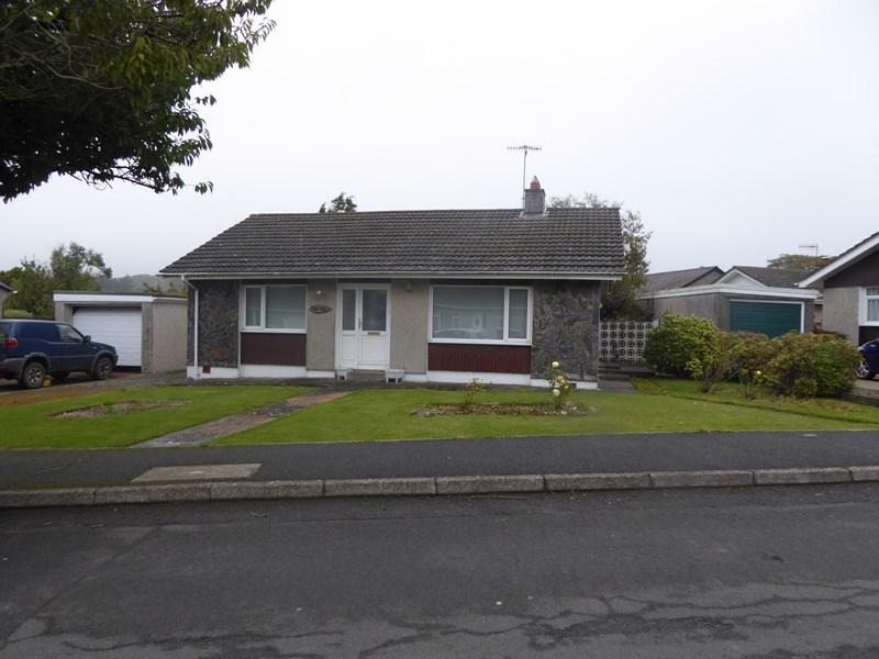 2 Bedrooms Detached Bungalow for sale in Silverburn Drive, Ballasalla, IM9 2DR