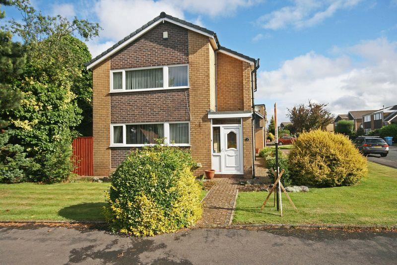 3 Bedrooms Detached House for sale in Moreton Drive, Staining