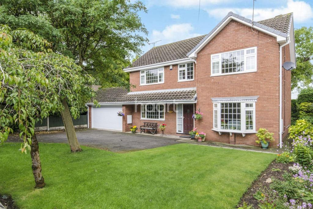 4 Bedrooms Detached House for sale in Main Street, Cantley
