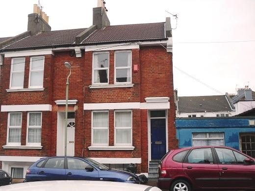 3 Bedrooms End Of Terrace House for rent in Lincoln Cottages, Brighton BN2