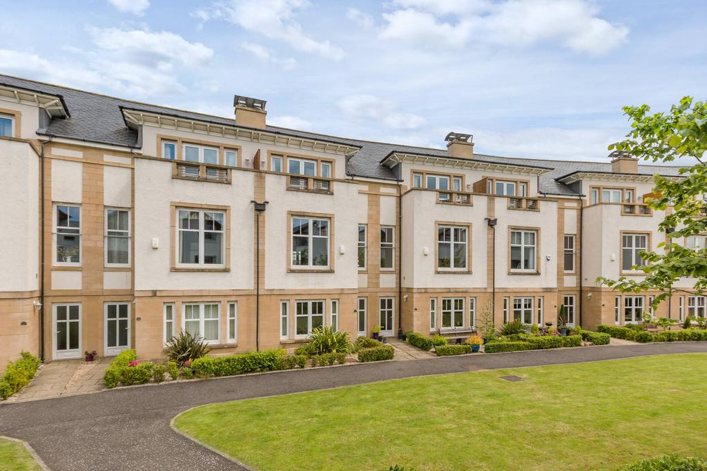 5 Bedrooms Terraced House for sale in 21 Brighouse Park Cross, Cramond, EH4 6GZ