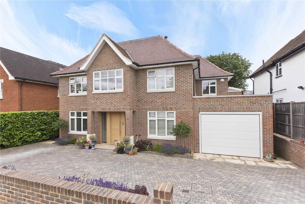 5 Bedrooms Detached House for rent in Mizen Close, Cobham, Surrey, KT11