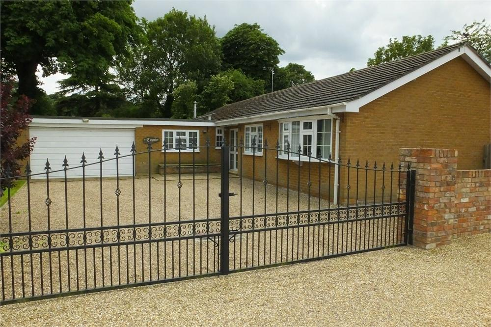 4 Bedrooms Detached Bungalow for sale in Chapel Lane, Sibsey, Boston, Lincolnshire