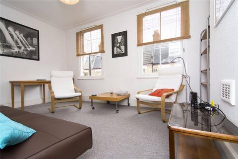 3 bedroom flat to rent - Senrab Street, Stepney, London, E1