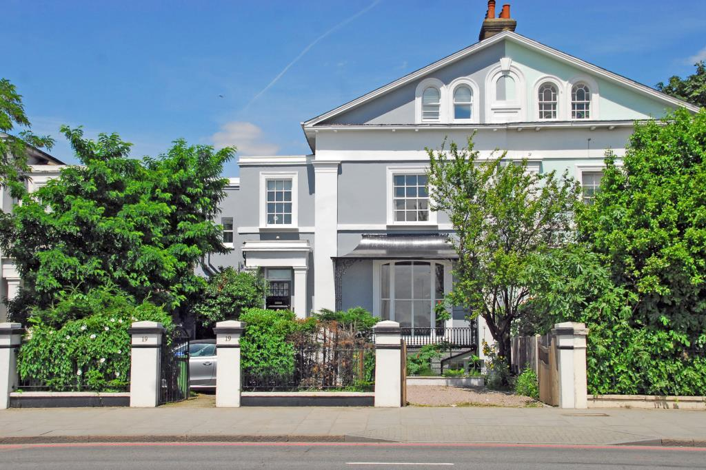 7 Bedrooms Semi Detached House for sale in Shooters Hill Road, Blackheath, London, SE3