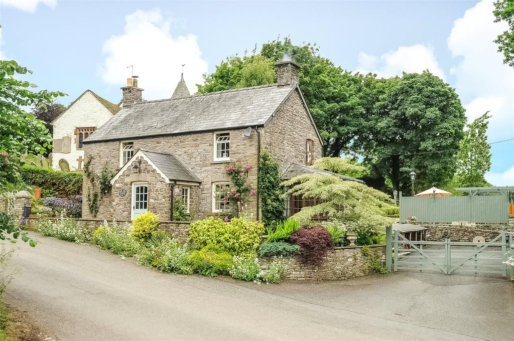 3 Bedrooms Detached House for sale in Llanfilo, Brecon, Powys