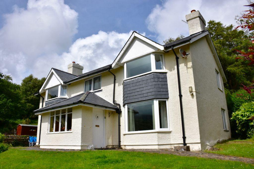 4 Bedrooms Detached House for sale in Tyn Llwyn, Caerdeon, LL42