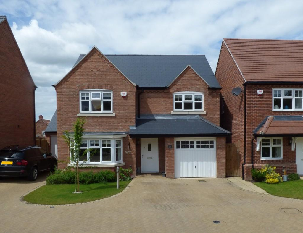 4 Bedrooms Detached House for sale in Badgers Way , Bishopton , Stratford-Upon-Avon