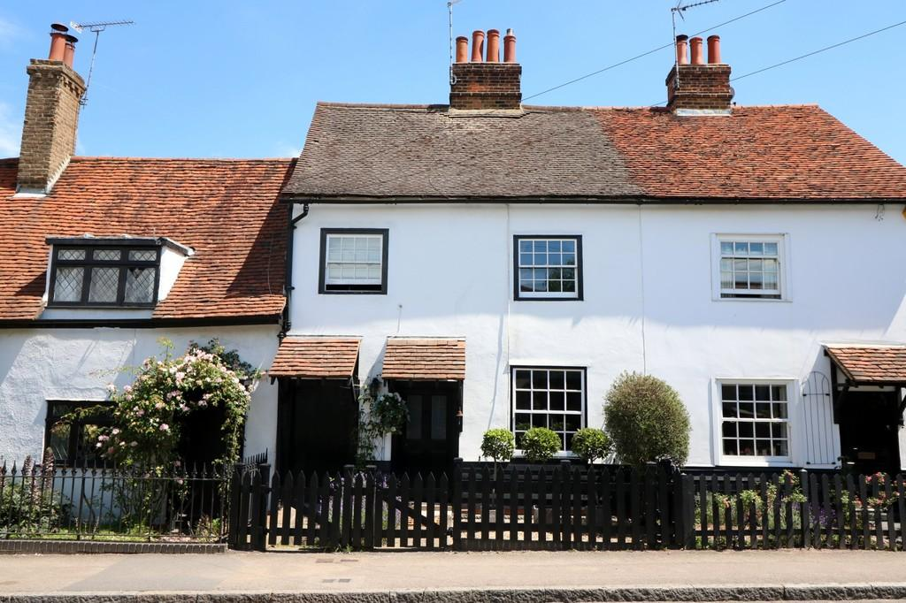 2 Bedrooms Terraced House for sale in High Street, Roydon