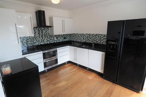 2 bedroom apartment to rent - South Bridge Road, Victoria Dock, Hull, HU9 1TL