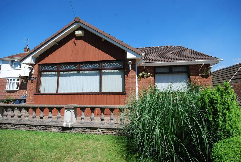 3 Bedrooms Detached Bungalow for sale in 57 Taillwyd Road, Neath Abbey, Neath, SA10 7DU