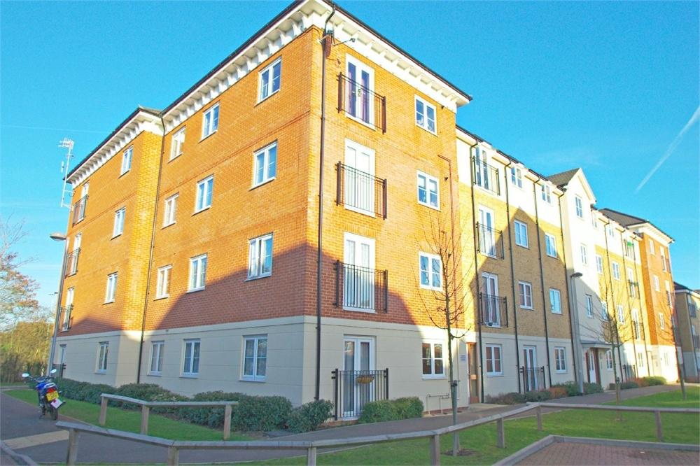 2 Bedrooms Flat for sale in Warhol Court, Baxter Road, Watford, Hertfordshire