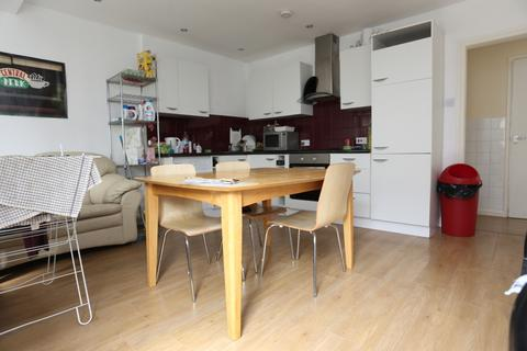 4 bedroom terraced house to rent - Clayton Road, Brighton